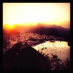 L'ultimo sole avvolge Rio de Janeiro