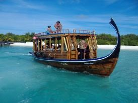 Dhoni: tipica imbarcazione maldiviana