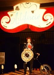 Rasta Lele ed il suo monociclo